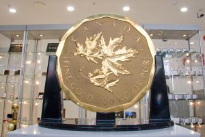 The World´s largest gold coin toured 10 countries in 2009